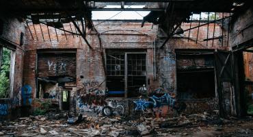 Zničená budova, FOTO: unsplash